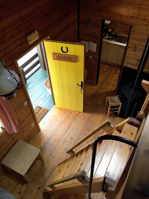 Prespectiva de salon de bungalow desde el altillo